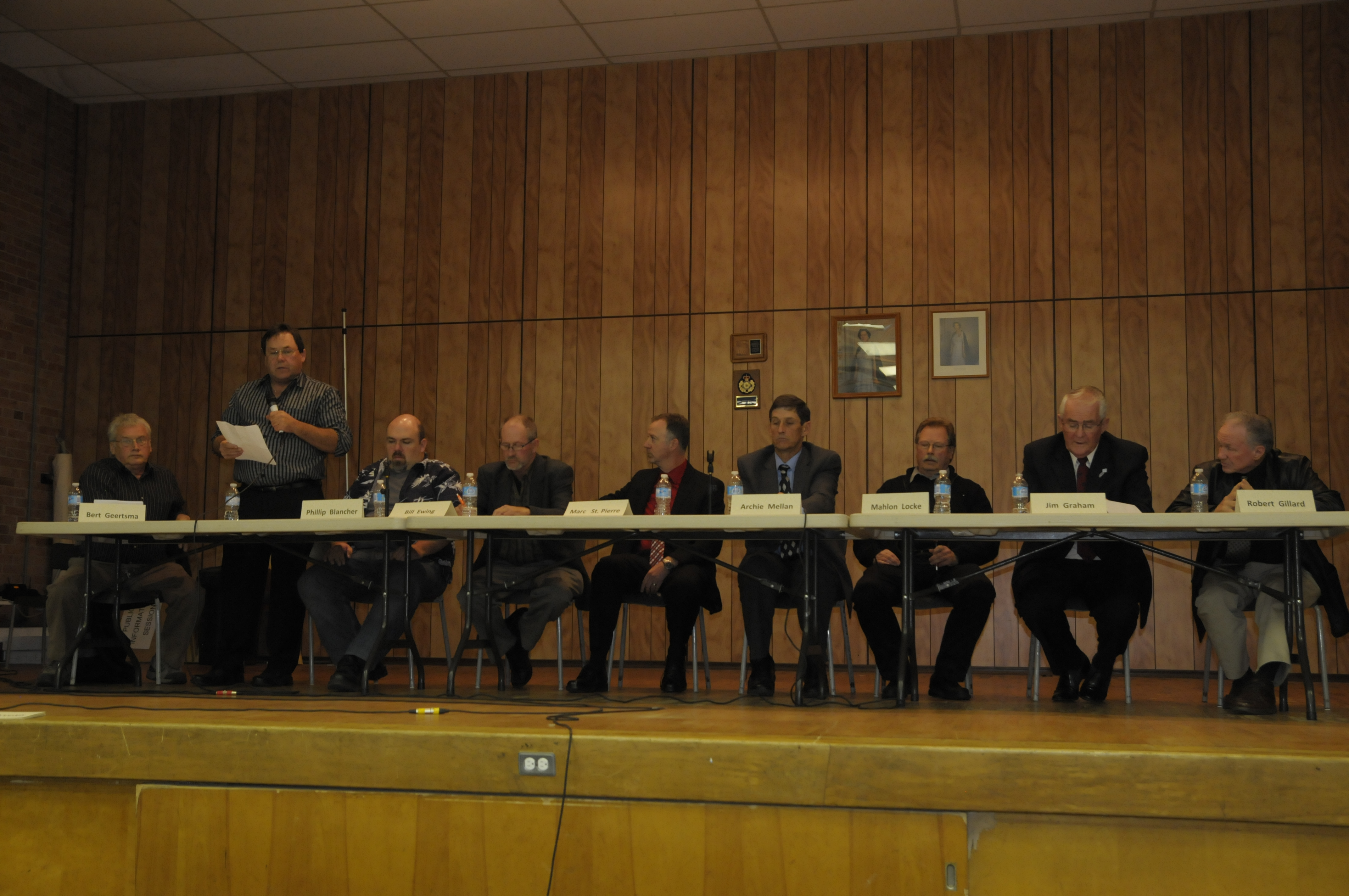 The candidates for South Dundas council at the all-candidates debate in Iroquois Oct. 20. (Cornwall Newswatch)