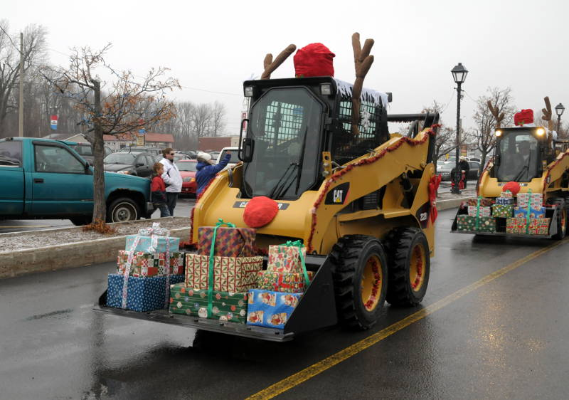 Morrisburg-Santa-Parade-Dec0614-07-Edited