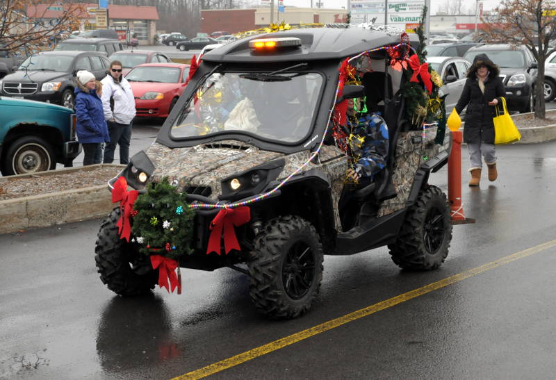 Morrisburg-Santa-Parade-Dec0614-42-Edited