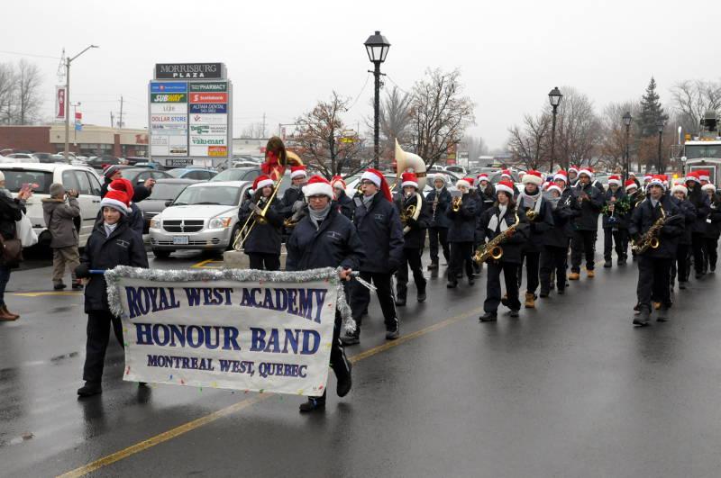 Morrisburg-Santa-Parade-Dec0614-50-Edited