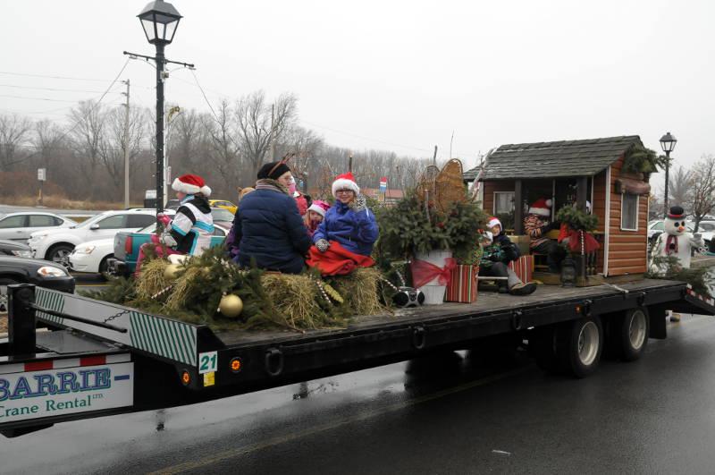 Morrisburg-Santa-Parade-Dec0614-52-Edited
