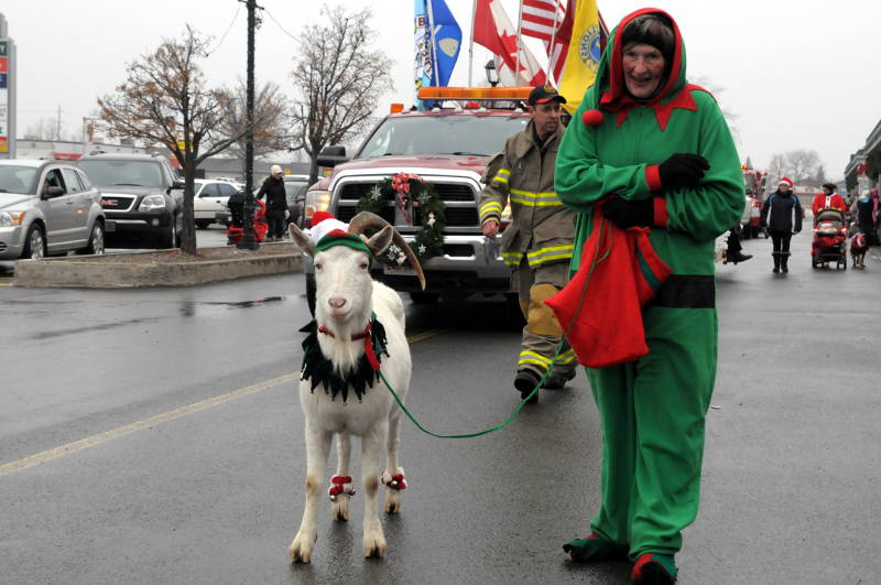 Morrisburg-Santa-Parade-Dec0614-76-Edited