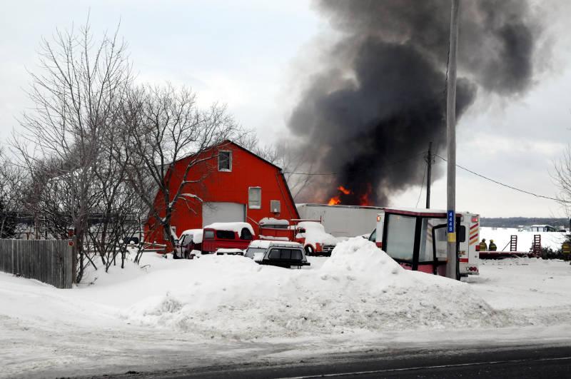 Green Valley Garage Fire-South Glengarry-Jan1915-16-Edited