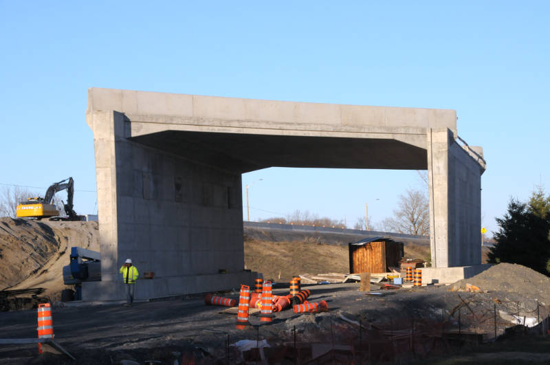 Highway 401 Underpass Construction Apr1415 Edited