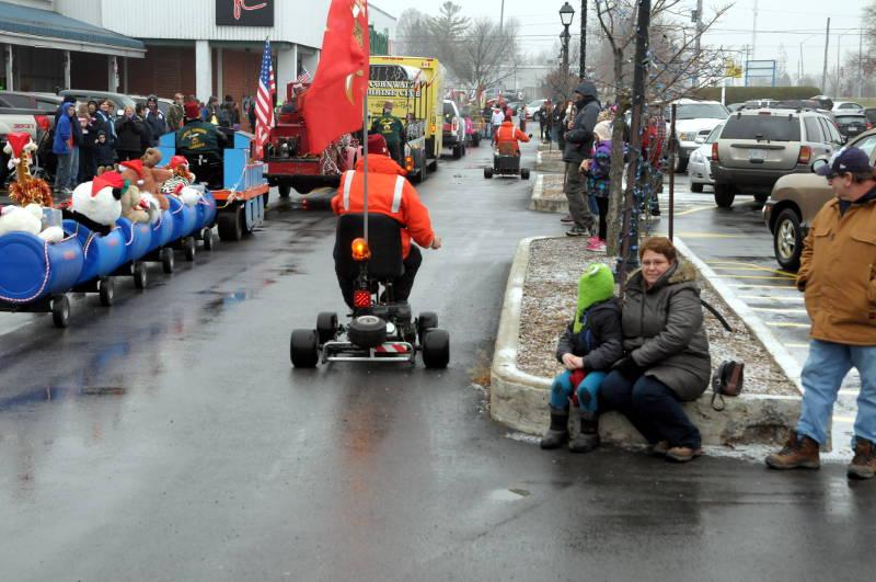 Morrisburg-Santa-Parade-Dec0614-25-Edited