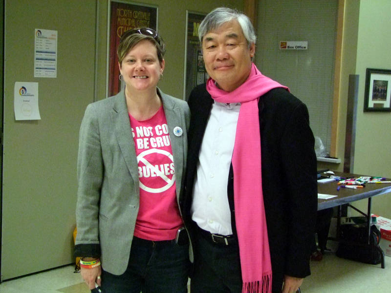 Lori Taylor, seen here with Harmony Movement Executive Director Cheuk Kwan, will receive a leadership award from the organization in November. (Photo/Harmony Movement)