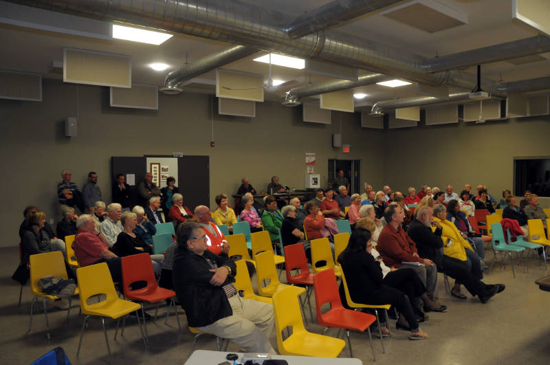 The crowd at the Martintown Community Center for a federal all-candidates town hall on Sept. 30, 2015. (Newswatch Group/Bill Kingston)