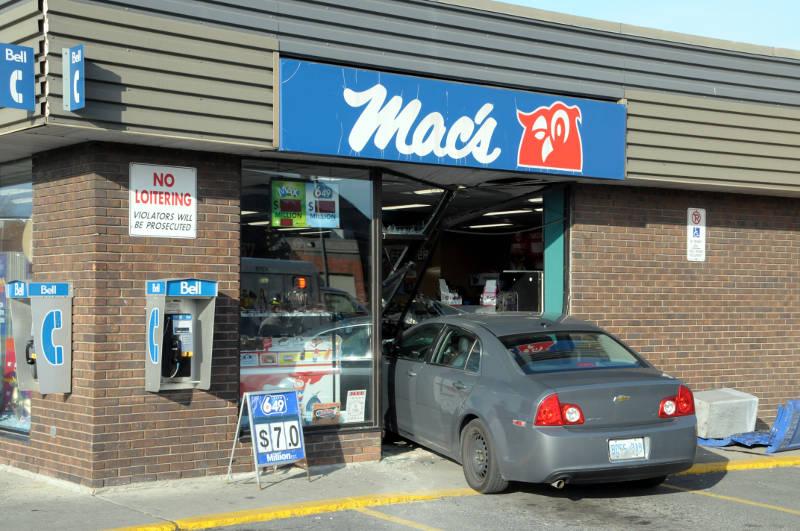 Macs Car Storefront Dec0615 01 Edited