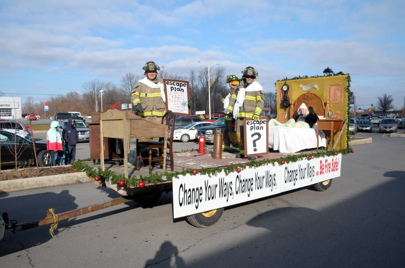 Morrisburg Santa Parade 2015 Dec0515 18 Edited