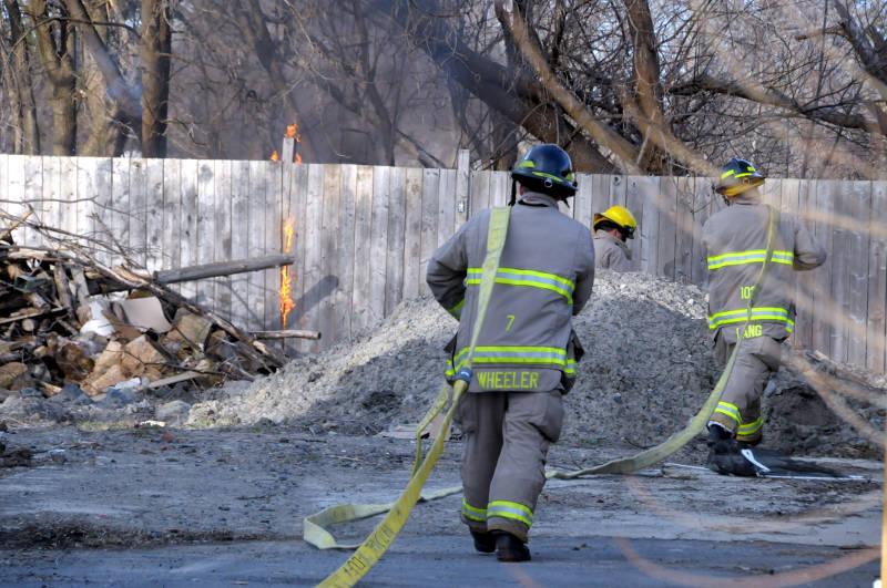 Hoople Avenue Debris Fire Apr0416 Edited
