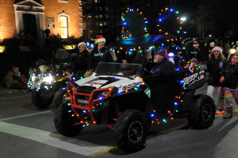 cwl-santa-parade-nov1916-17-edited