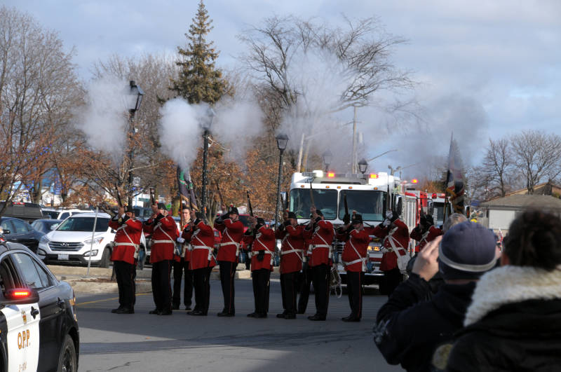 morrisburg-santa-parade-dec0316-01-edited