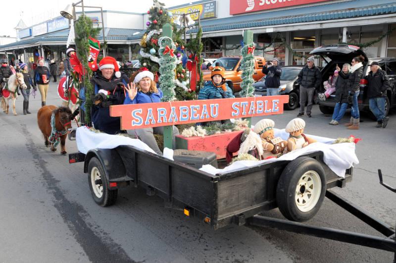 morrisburg-santa-parade-dec0316-09-edited
