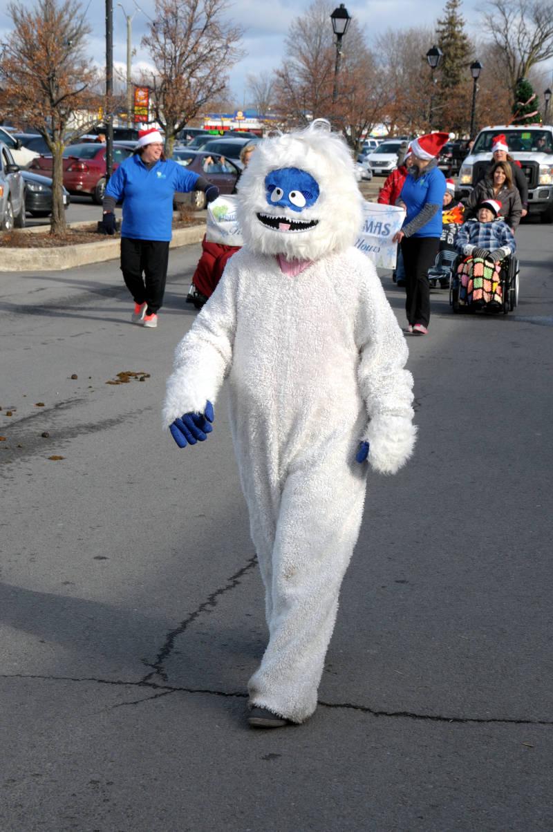 morrisburg-santa-parade-dec0316-13-edited