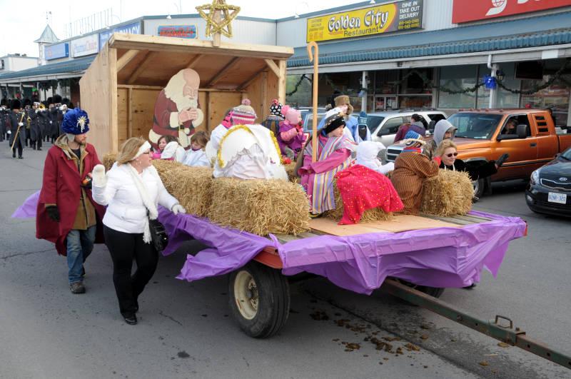morrisburg-santa-parade-dec0316-19-edited