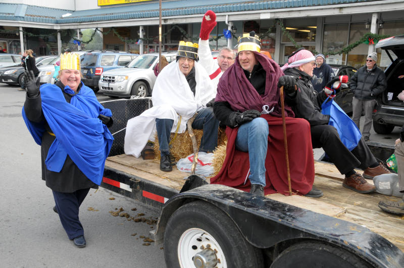 morrisburg-santa-parade-dec0316-26-edited