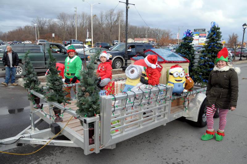 morrisburg-santa-parade-dec0316-30-edited