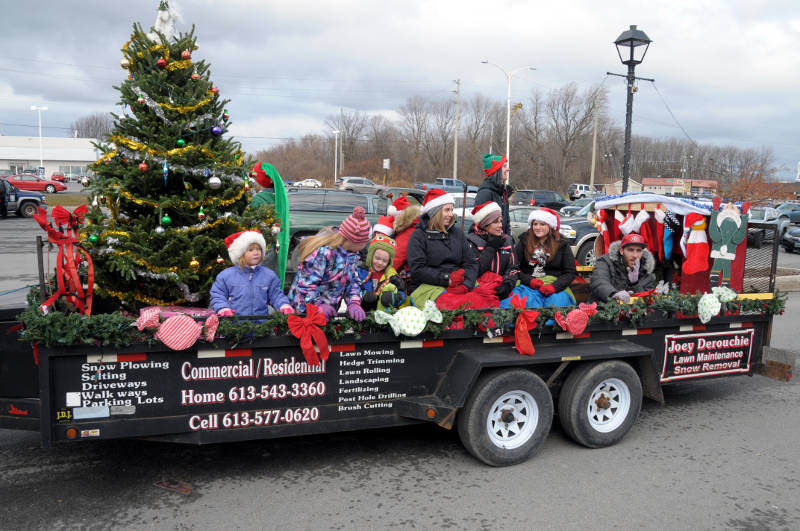 morrisburg-santa-parade-dec0316-31-edited