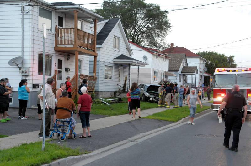 Car Hits Two Homes Aug1817 01 Edited