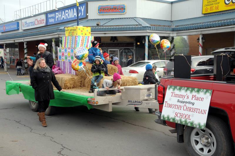 Morrisburg Santa Dec0217 08 Edited