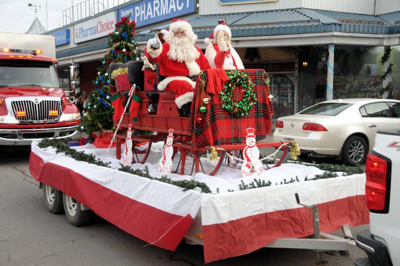 Morrisburg Santa Dec0217 21 Edited