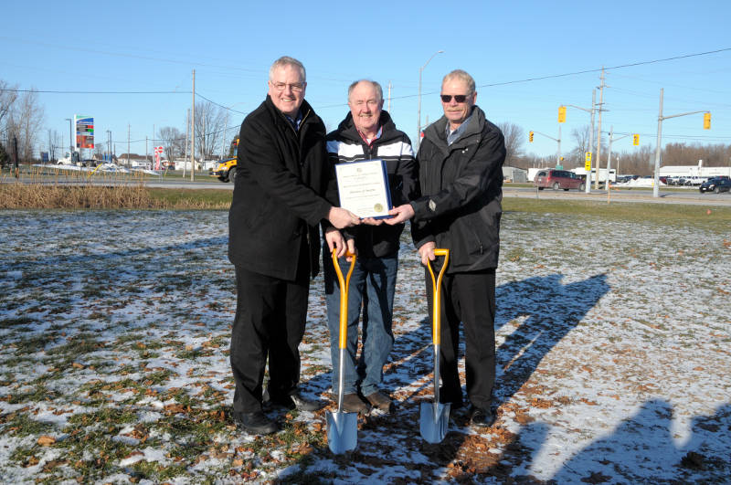 Morrisburg Streetscape Funding Photo-Op Dec0718 E