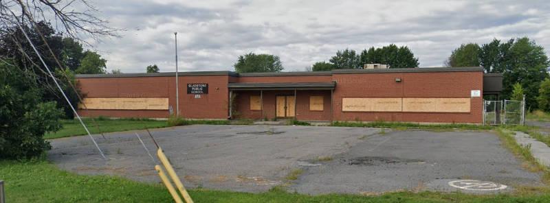 Former Gladstone School Apr2020 E