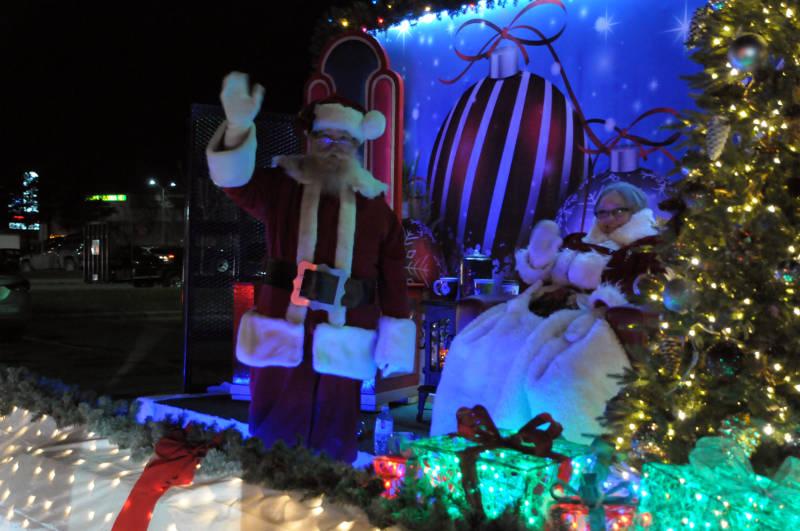 Santa Drive-Thru Nov2820 01 E