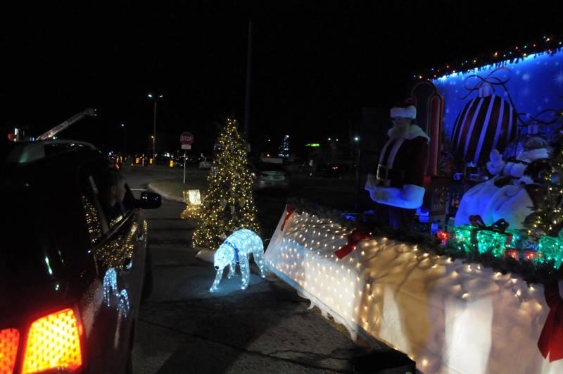 Santa Drive-Thru Nov2820 02 E