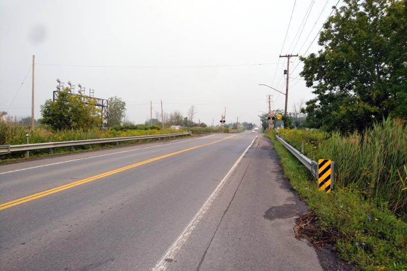 Boundary Road Railway Crossing Jul2621 E